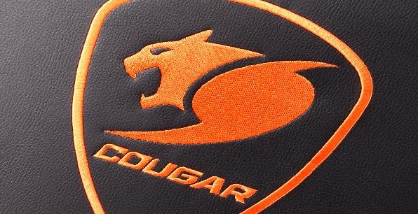 Вышитый логотип Cougar